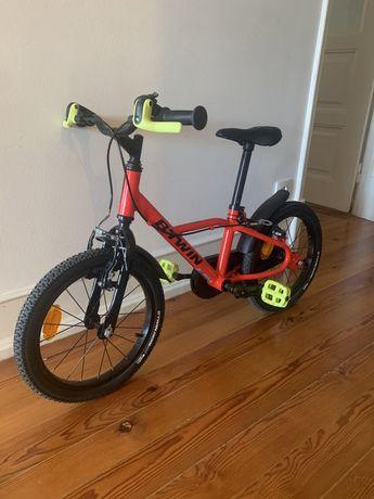 Bicicleta de criança como nova.       O