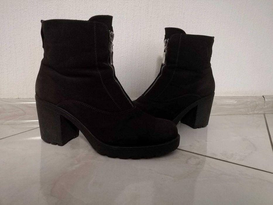 Ботинки женские замшевые на каблуке темно-коричневые октябрь-апрель Запорожье - изображение 1