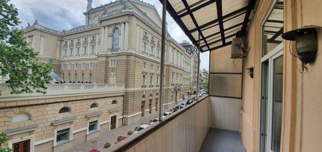 Продам 4-х ком.квартиру в пер.Чайковского с видом на Оперный театр