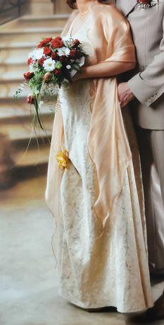 Suknia ślubna szyta.