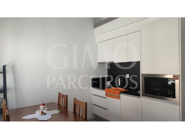 Apartamento T1 Duplex centro de Aveiro para arrendamento