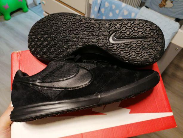 Nowe buty nike 44,5-28,5cm nie udany prezent, kupione w sklepie Warsza