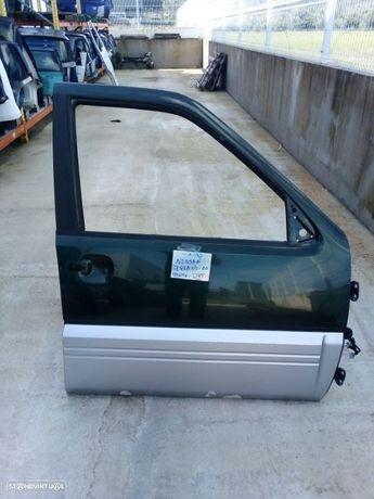 Porta frente direita Nissan Terrano 2003
