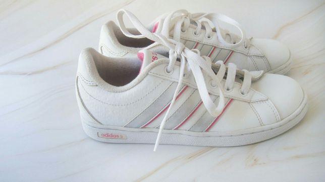 Adidas кроссовки р. 34