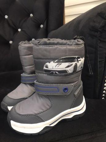 Buty zimowe śniegowce r. 22 stan idealny