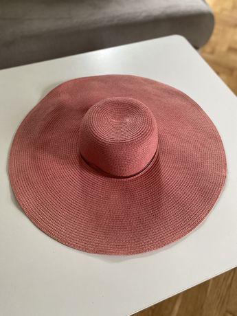 Różowy duży letni kapelusz Centro