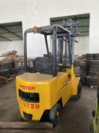 Empilhador HYSTER 1500 kg diesel triplex e deslocador lateral