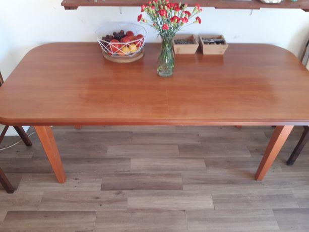 Sprzedam duży stół drewniany rozkładany