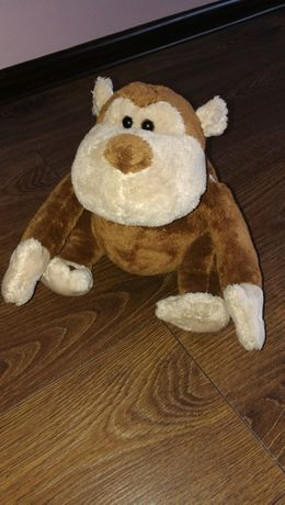 Małpka zabawka interaktywna spiewa i mowi