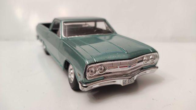 Модель Chevrolet ElCamino 1965 1.24-1.25 Maisto