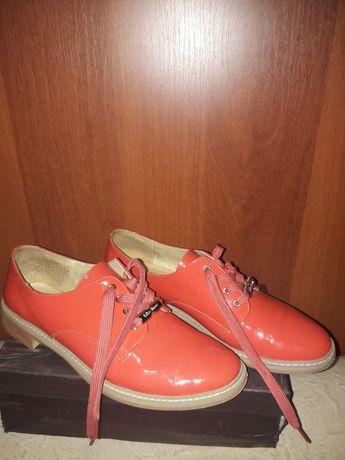 Продам осенние женские туфли