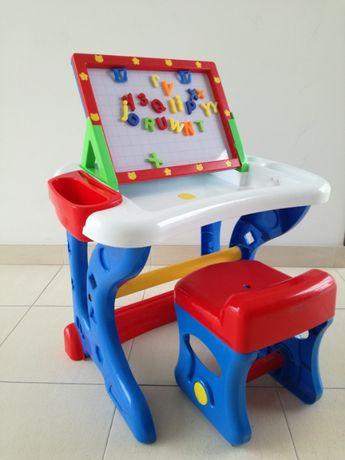 Mesa para desenho e colocação de figuras magnéticas