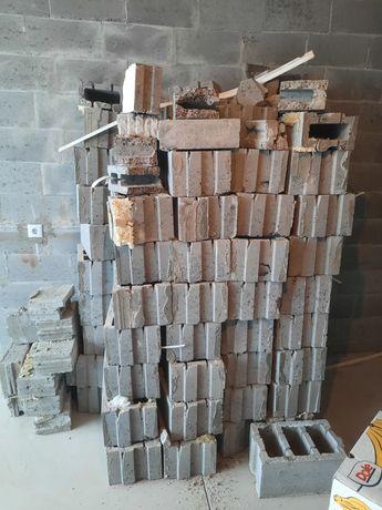 Продам шлакоблок Размер 250х190х390 По цене утилизации