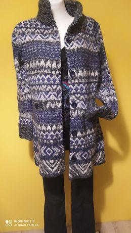 Dzianinowy płaszcz/ długi sweter r L
