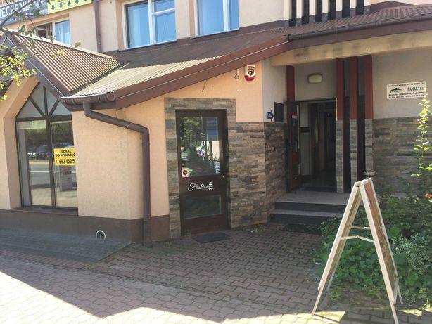 Centrum Brzeska lokal handlowo - usługowy z parkingiem.