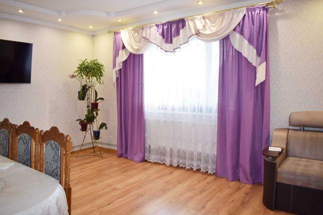 Продається великий 2-поверховий будинок в м. Гайсин
