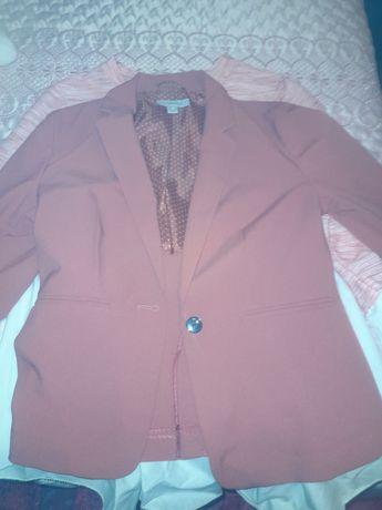 Vendo blazer e camisola nova nunca usada