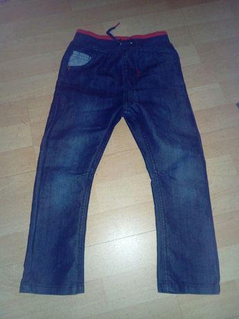 Sprzedam nowe spodnie jeans chłopięce
