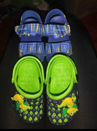 Дитячі сандали,крокси