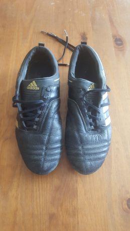 Chuteiras Adidas 43