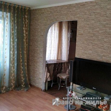 Продается 1 к. кв., Приморский р-н, площадь Комсомола. mo