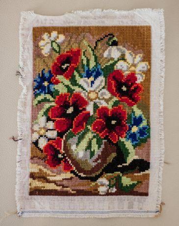 Obrazek ręcznie wyszywany na kanwie, mały, ozdoba, kwiaty, kolorowy