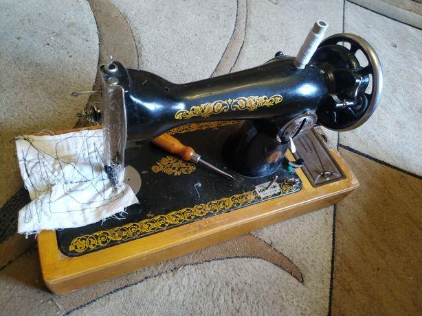 Швейна машинка робоча