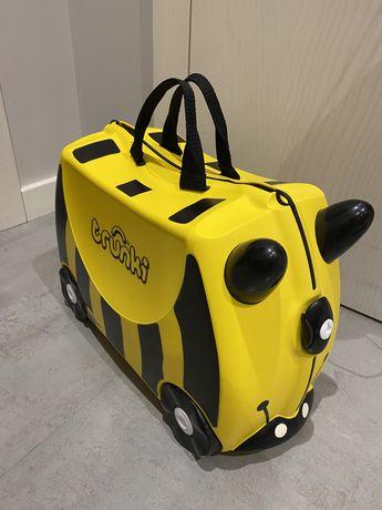 оригиналтный детский чемодан Trunki