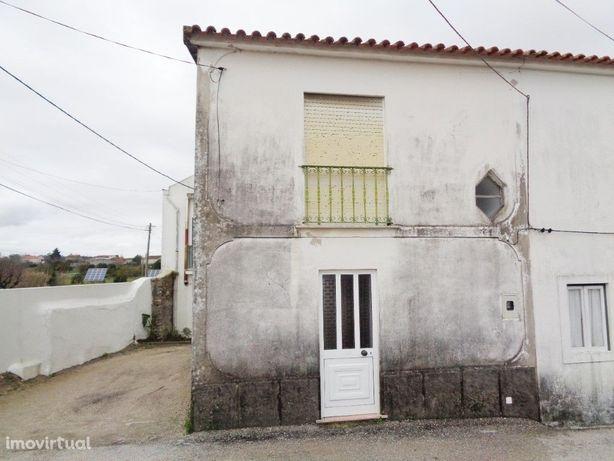 Moradia T2 com 2 pisos na Carapinheira