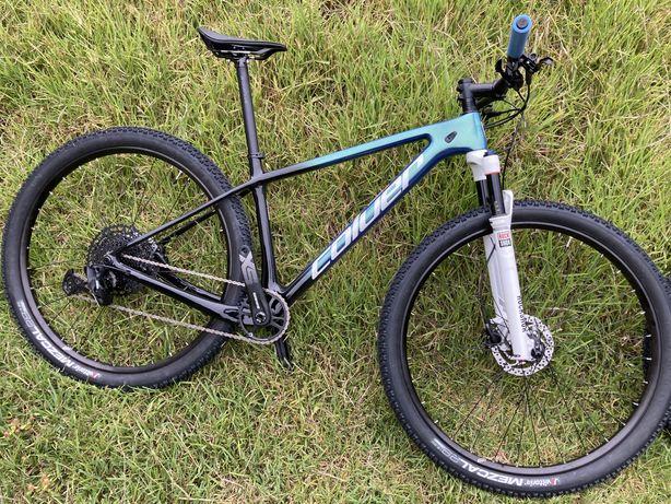 Bicicleta carbono btt roda 29 coluer Poison 2.1
