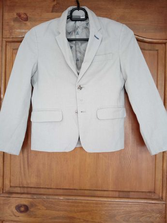 Jasny garnitur 128 cm