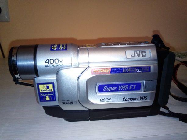 Kamera JVC kompaktowa na kasety mini VHS