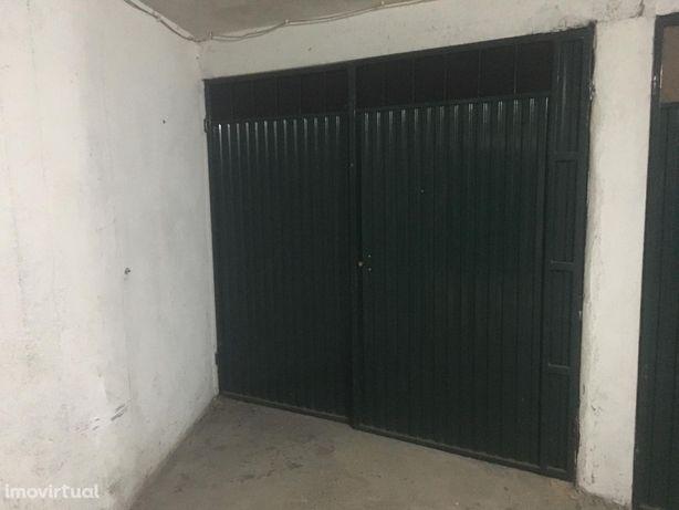 Garagem Individual com 14m2 - Vila Nova de Gaia - Santa Marinha