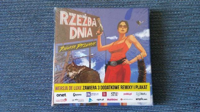 Renata Przemyk RZEŹBA DNIA wersja de luxe FOLIA
