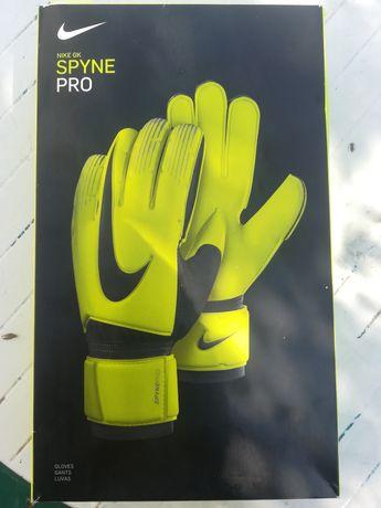Вратарские перчатки Nike GK Spyne Pro