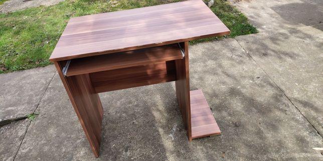 Робочий стіл (стіл для ПК)