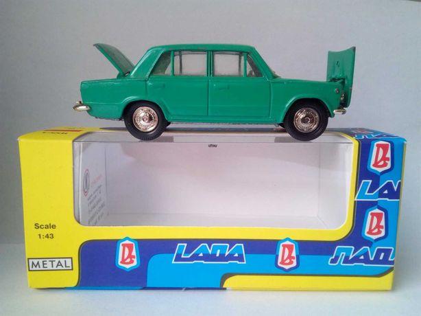 Модель автомобиля ВАЗ 2101 Жигули, Лада СССР 1:43