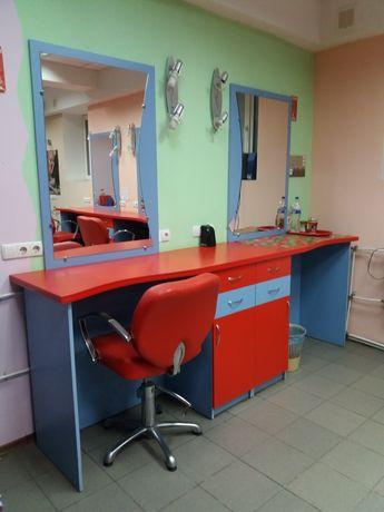 Перукарські меблі з дзеркалами і тумбами на 2робочі зони