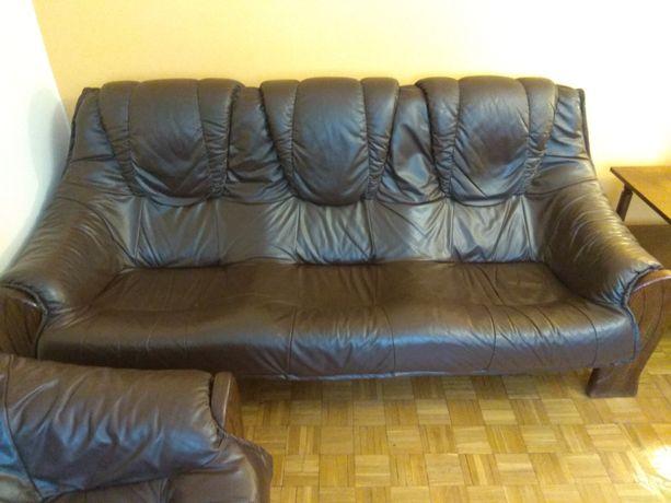 Stylowy wypoczynek skórzany. Sofa, dwa fotele + podnóżek