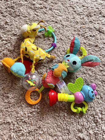 Игрушки Жираф от Chicco, кролик Томас от Tiny Love