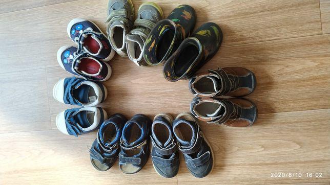 Продам детскую обувь 22 размер