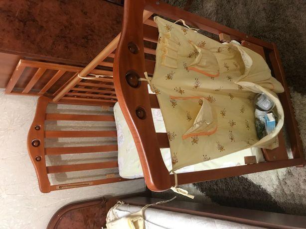 Продам детскую кроватку-манеж из натурального дерева