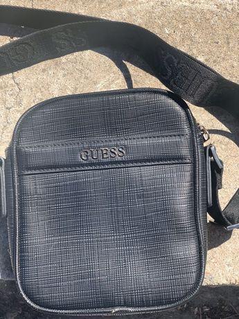 Продам сумку Guees оригинал