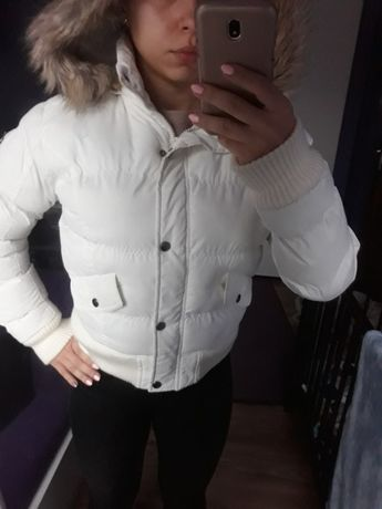 biała puchowa zimowa kurtka s