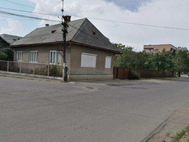Продається сімейний будинок в м. Тячів.