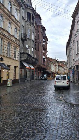 Продається 1 кімнатна квартира в центрі міста на вул. Лесі Українки
