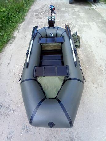Продам надувную лодку Grif, лодочный мотор