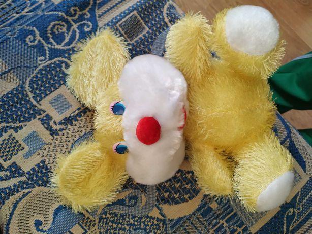 Продам мягкую игрушку кролик,состояние идеальное размер 21 см.