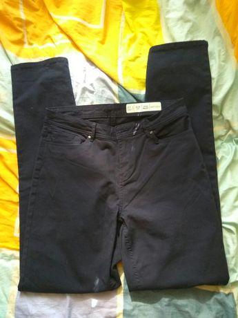 Nowe spodnie jeansowe Esmara