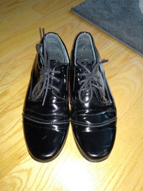 Chłopięce pantofle, rozm. 33